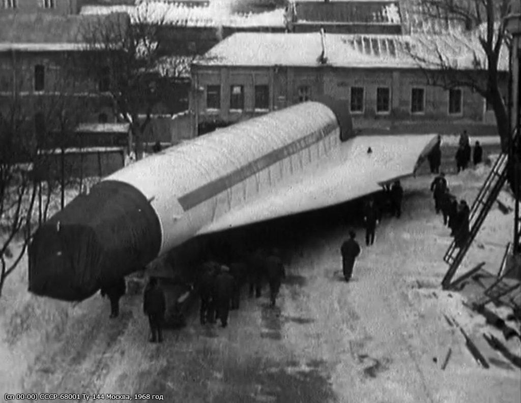 Транспортировка Ту-144 СССР-68001